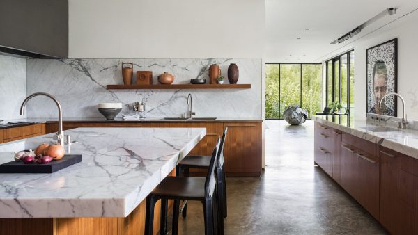 Difference between Calacatta and Statuario marble?